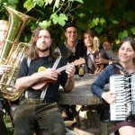 Music Monday und skuriller Bavarian-Brit-Folk mit GURDAN THOMAS