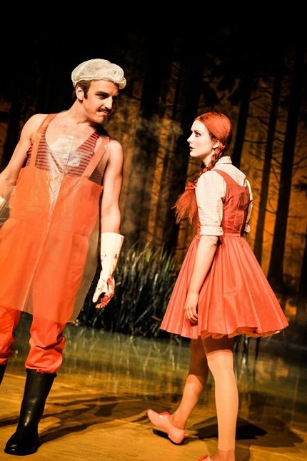 Pascal Fligg, Lenja Schultze | © Arno Declair/Münchner Volkstheater
