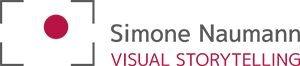 simone_naumann_logo_graurot_300px_rgb