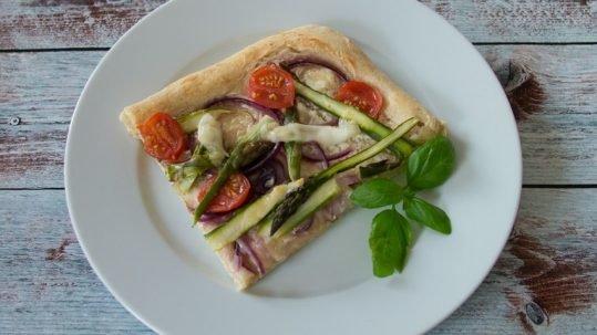 Pizza-mit-Spargel-7-von-9