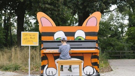 Play me I'm yours Isarlust Street Pianos München Kunst öffentlicher Raum