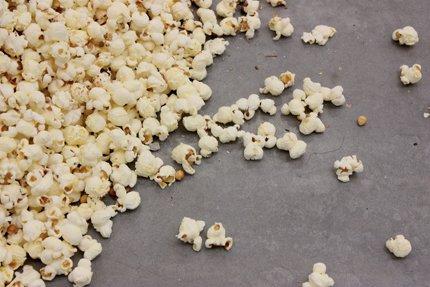 Michael Sailstorfer,Popcorn 2