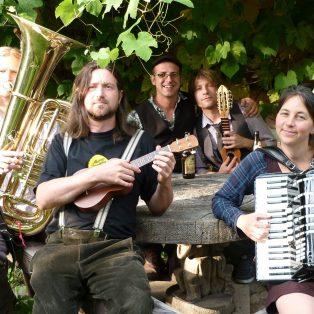 Music Monday und skuriller Bavarian-Brit-Folk mit GURDAN THOMAS