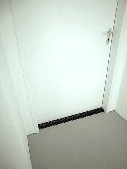 Door Stoper, Ceal Floyer 2012