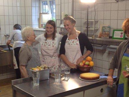 Katrin und Katharina_Kuchentratsch