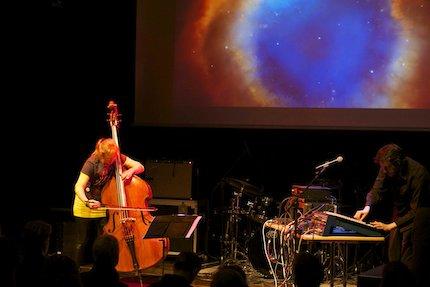 Space:Bass. Christine Hoock und Umberto Echo. Foto: Solveig Wehking
