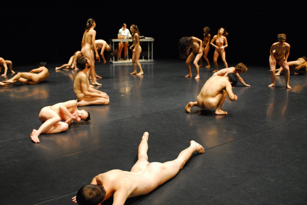 Theater tanz nackt Full text