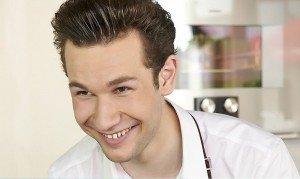 Interview mit Jan-Philipp Cleusters, einer der jüngsten Köche Deutschlands. Portraitfoto
