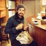 Mit Devendra Banhart kommen psychedelische Feel-Good Vibes nach München