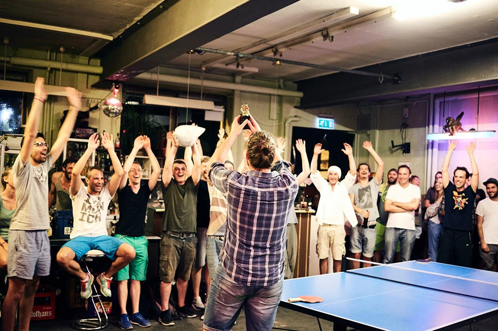 Der Sieger des letzten Turniers. © YEARROUNDMUNICH
