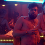 """Eine Kneipe, Oldtimer und das Hipstertum: """"Feierabendbier""""-Regisseur Ben Brummer im Interview"""