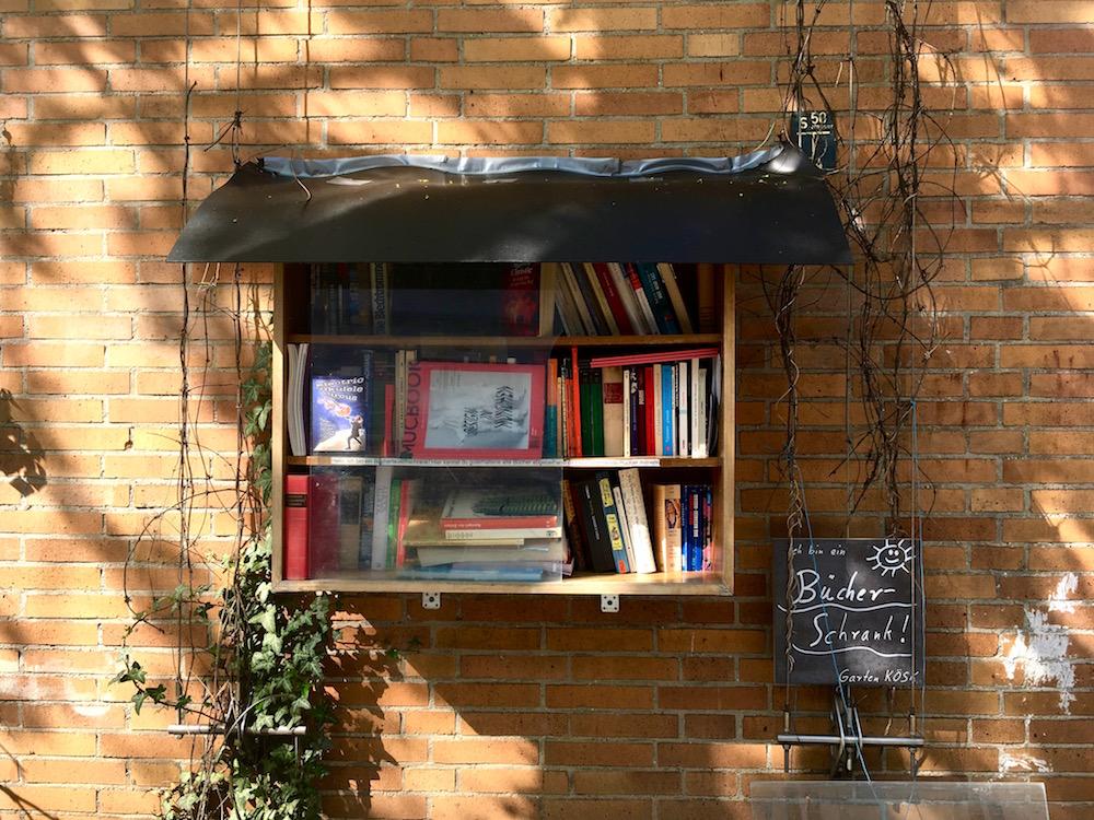 Mucbook liebt Bücherschränke: Tauschen statt Kaufen! - MUCBOOK