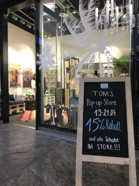 Toms Pop Up