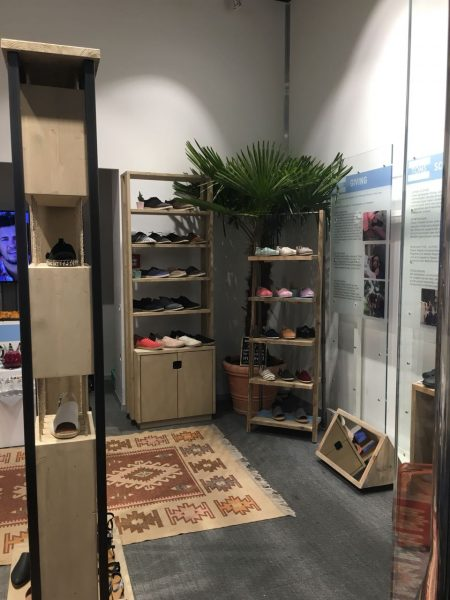Toms Pop Up-Inside