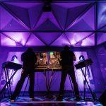 Blinkende Lämpchen, Knöpfe und Klänge der letzten Jahrzehnte am Knobs&Wires Festival