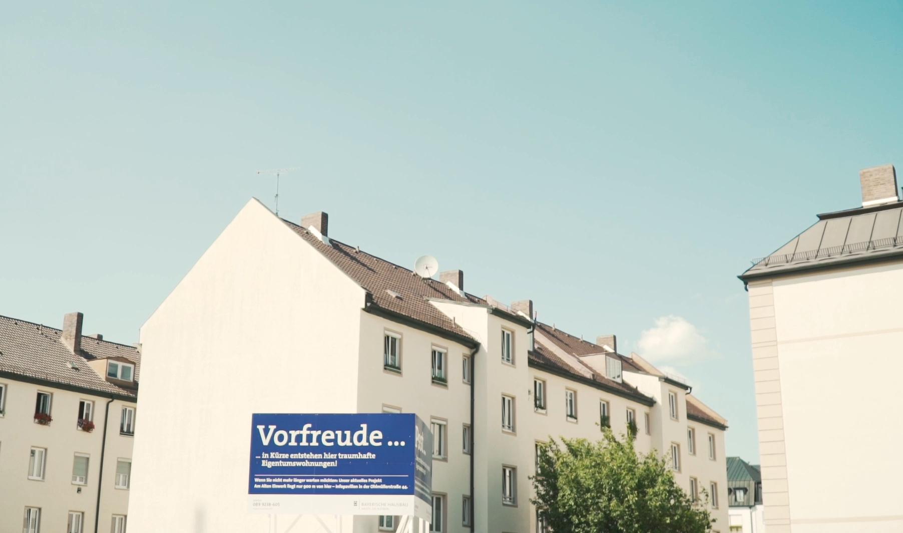 Stadtspaziergang: Luxuswohnung vs. bezahlbarer Wohnraum in Au ...