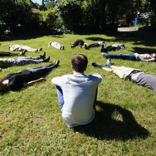"""""""Eine Möglichkeit, mehr mit sich selbst in Kontakt zu kommen"""" – Fragen an den Meditationsprofessor"""