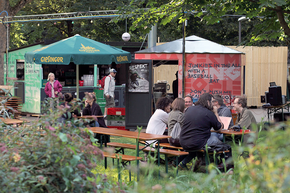 Die beiden Gastrobuden im Nußbaumpark am Sendlinger Tor in München