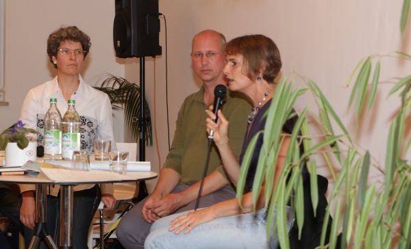 Andrea*s Exner, Gudrun Walesch und Manuela Barth im BayernForum