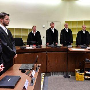 Urteil im NSU-Prozess: Lebenslange Haft für Beate Zschäpe
