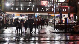 Hauptbahnhof Muenchen bei NAcht