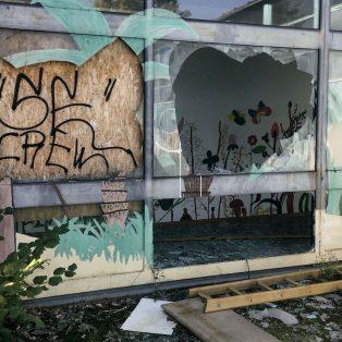 Ehemalige Gehörlosenschule: Seit 6 Jahren eine Ruine