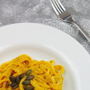 Kürbis-Pesto mit Salbei & Ingwer