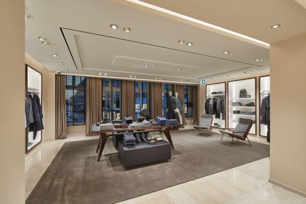 Massimo Dutti_Flagship Store Munich_Obergeschoss_Mens Wear