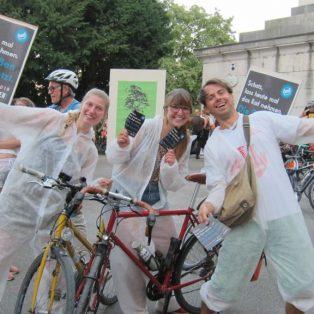 """""""Ende Geländewagen"""": Aktivisten blockieren am Samstag SUVs"""