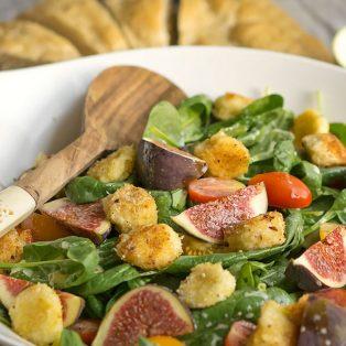 Spinatsalat mit Feigen & Kokos-Mozzarella