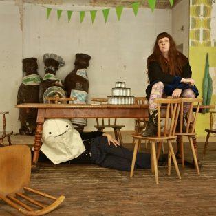 Was haben Schuhe, Bier und Kunst gemeinsam? Gabi Blum im Interview über das Kunsthaus Raab