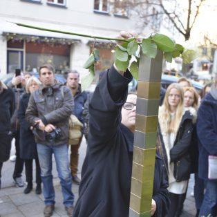"""""""Gedenken auf Augenhöhe"""" – Erinnerungszeichen für Münchner Opfer der Nationalsozialisten"""