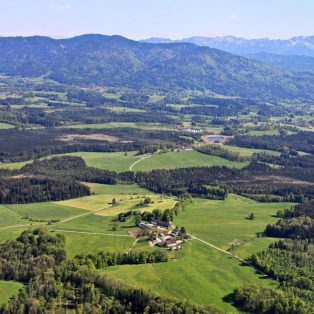 Über die Berge vertikal ins All: der Feierabend am 11. Dezember in der Stiftung Nantesbuch
