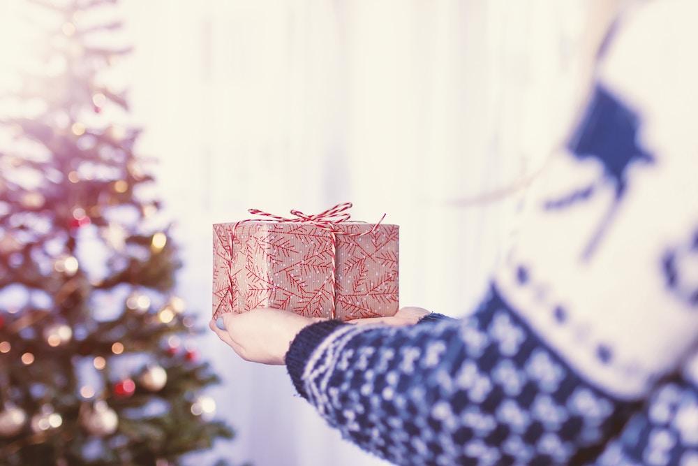 Weihnachtsgeschenke mal anders: 10 gemeinnützige Ideen - MUCBOOK
