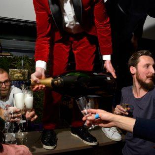 Lass den Schampus fließen! Der Fotograf Volker Derlath war für uns beim Gastrosilvester 2019