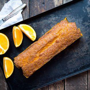 So bäckst du saftigen Orangenkuchen