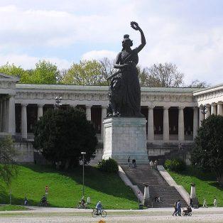 #HerStory! Erfahre mehr über das Leben vergessener Münchnerinnen