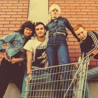 Sniff this, Punk! – Amyl and the Sniffers am 16. April im Strom