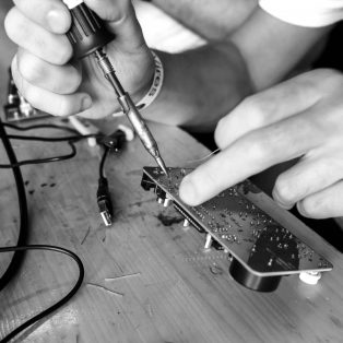 DIY-Workshop im Kreativquartier: Löten mit Meng Qi am 5. Mai