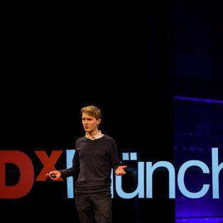 Inspiration von jungen Menschen für junge Menschen: Die erste TEDxYouth am 11. Juli