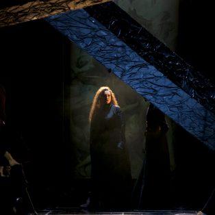 Tosca: So düster und brutal ist die Revolution