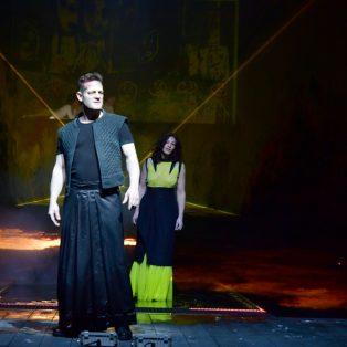 """""""Das endlose Lied der schwachen Frau hat ein Ende"""": Wie Medea am Resi ihre Unfreiheit mordet"""