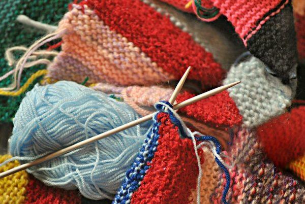 Handwerk, stricken, häkle, schnitzen - probiere etwas Neues