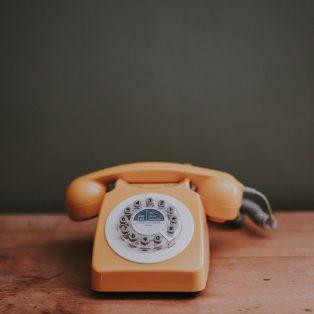 Hier kannst du dir in Zeiten von Corona telefonisch Hilfe holen!