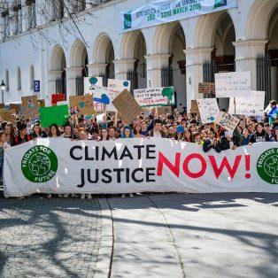 24.4. Klimastreik: Streiken mit Ausgangsbeschränkungen: Wir streiken, bis ihr handelt!