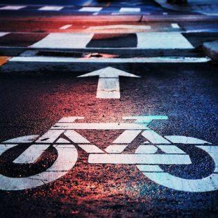 Freie Fahrt mit Rad: Diese Autospuren weichen bald den Pop-Up-Lanes