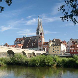 Entdecke die Welt in Regensburg