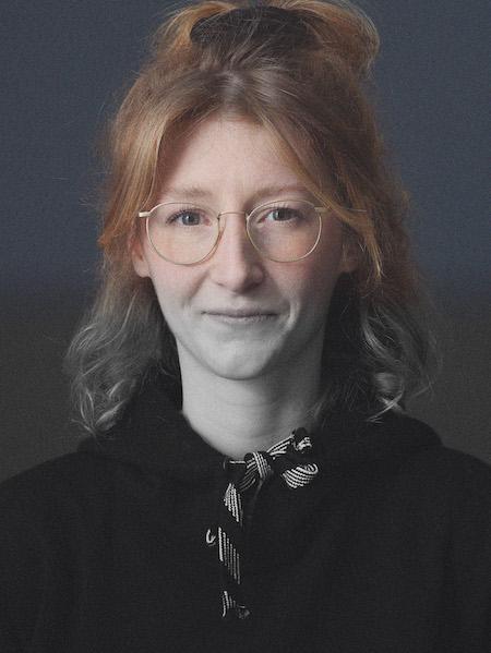 Portrait Stefanie Adolph. Fotocredit: Denis Pernath und Max Hofstetter