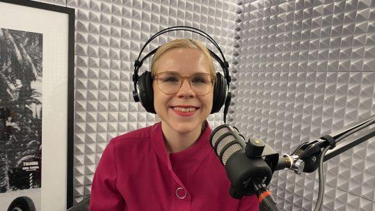 Britta Daffner im Podcast Studio von MUCBOOK